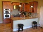kitchen_peninsula1.jpg